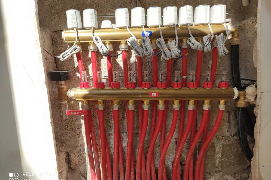 מחלק + ברז חשמלי לצנרת תת רצפתית